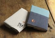 ワンポイント刺繍ブックカバー